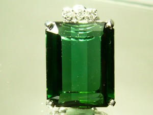e2374.1 green tourmaline
