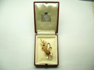 e7692.1 cattail brooch box