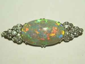 e7695 8.25ct opal brooch