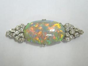 e7695.1 8.25ct opal brooch