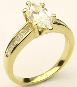 e8067.2 VVS1-E marquise 18kt ring