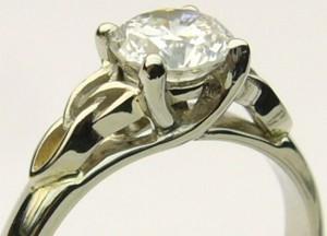 e8249.1 trinity knot Celtic diamond solitaire