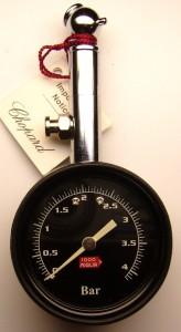 e8258.3 Chopard tire pressure gauge