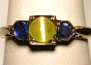 e8710.1 cat's eye chrysoberyl and sapphire ring
