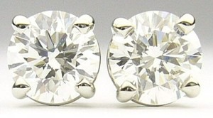 e9108 0.58ct. tw diamond studs
