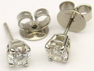 e9108.1 0.58ct. tw diamond studs