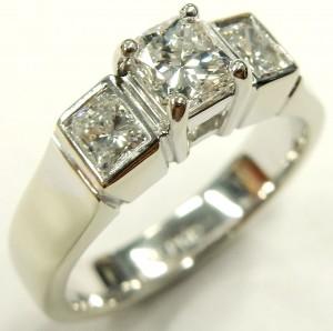 e9362 3 stone custom diamond ring