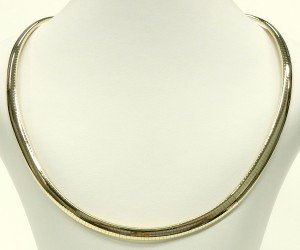 e9392 Italian 14kt. gold omega link necklace