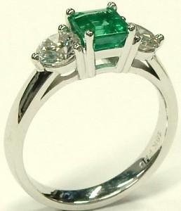 e9489 custom emerald and diamond 3 stone ring