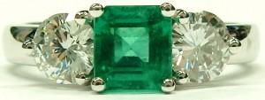 e9489 emerald and diamond 3 stone ring