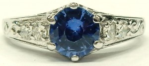 e9552 18kt. Ceylon sapphire and diamond ring