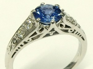 e9552 18kt. white gold Ceylon sapphire and diamond ring