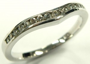 e9553 contoured diamond anniversary ring