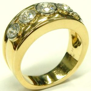 e9445 Cavelti BIRKS 18 karat platinum diamond ring