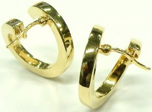 e9658 18 karat yellow gold hoop earrings
