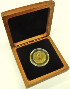 e9703.1 half ounce Canadian Maple leaf gold coin 9999