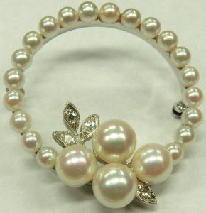 e9726 Vintage pearl and diamond brooch 14 karat gold