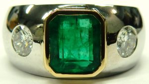 e9755 emerald and diamond ring 18 karat custom made 002