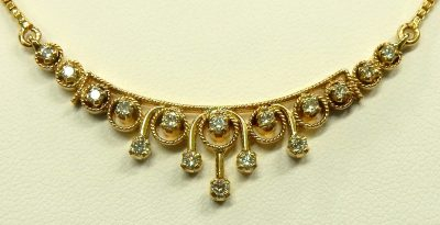 e9759 18-22kt. diamond necklace and earrings