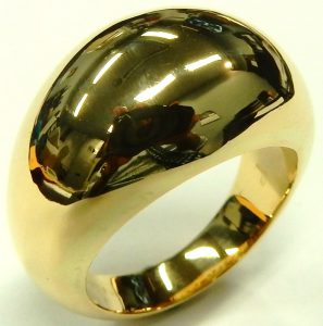 e9867 Links of London 18 karat yellow gold dome ring