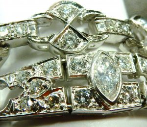 e9901 Art Deco platinum diamond bracelet 001