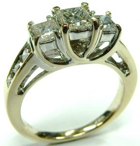 e9944-lucida-three-stone-diamond-ring-18kt-1-25ct-tw