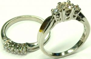 e9962-platinum-three-stone-diamond-engagement-ring-set
