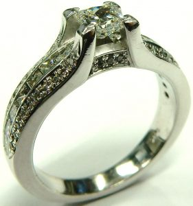 e9968-princess-cut-diamond-engagement-ring-002