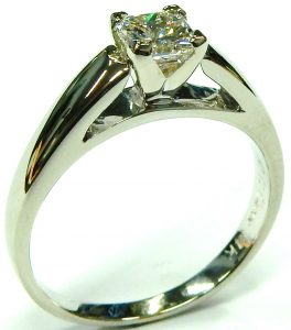 e10057-0-66ct-si1-f-radiant-cut-solitaire-diamond-ring-003