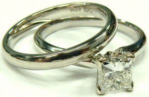 e10052-e10053-0-98ct-si2-g-princess-cut-platinum-solitaire-001