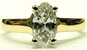 e10073-0-69ct-si2-h-oval-solitaire-18-karat-gold-002