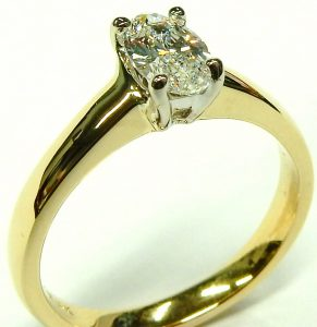e10073-0-69ct-si2-h-oval-solitaire-18-karat-gold-003