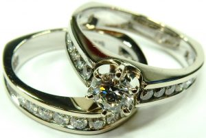e10134-1-00ct-tw-diamond-engagement-wedding-ring-set-002
