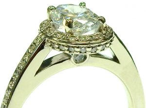 e10147-1-15ct-i1-g-oval-diamond-68046-halo-setting-002