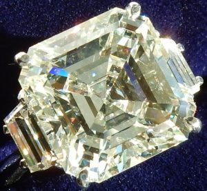 e10208-10-63ct-vs2-m-asscher-cut-platinum-ring-006