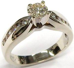7b43938e3 I1-L custom made Jeff Walters diamond ring 4.5gr. $585.00 CAD. e12158