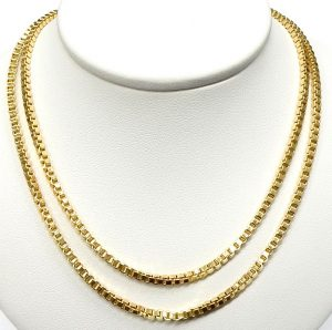 8e83f2b10 31 inch 18kt. hollow box link necklace 13.4gr. $850.00 CAD. e12177