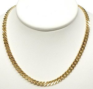 f644e35a9bc 20 inch curb link necklace 21.6 grams $1,260.00 CAD. e12313